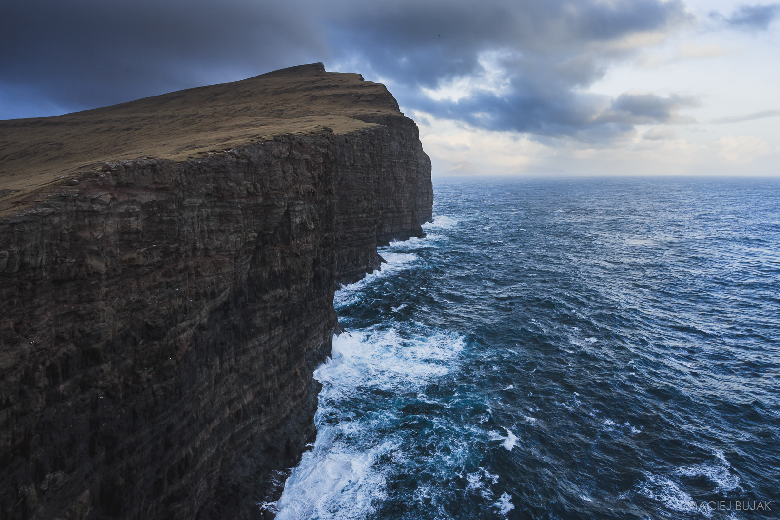 Cliffs of Leitisvatn